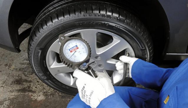 Как ухаживать за автомобилем? Следим за давлением воздуха в шинах.