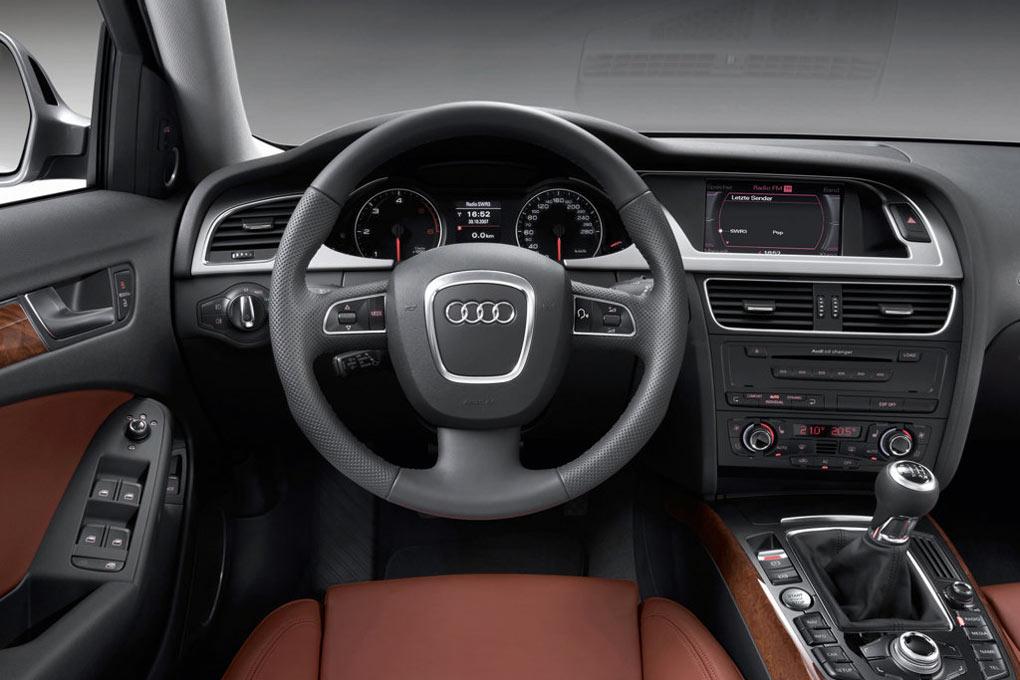 Audi A4 фото интерьер