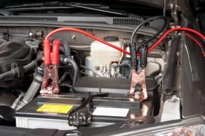 Зарядка аккумулятора машины. Все о зарядке и «прикуривании» автомобильного аккумулятора.