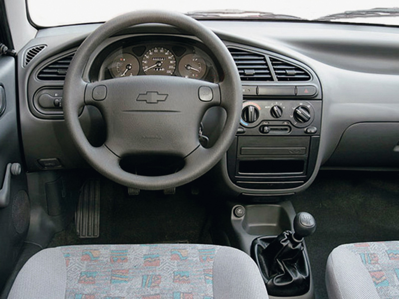 Chevrolet Lanos фото интерьер